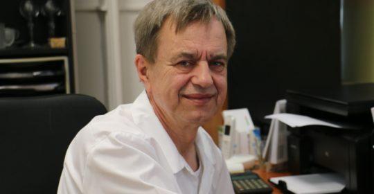 """PharmDr. Ján Kmec: """"Už ako trojročný som začínal v lekárni"""""""
