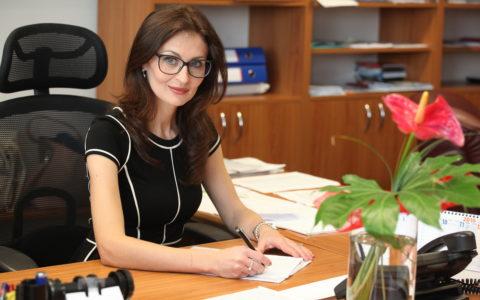 """doc. MUDr. Andrea Kalavská, PhD.: """"Lekáreň by mal vlastniť lekárnik"""""""