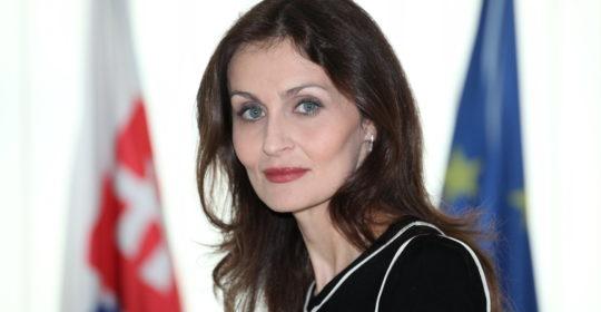 """Ministerka zdravotníctva SR, doc. MUDr. Andrea Kalavská, PhD.: """"Ak Slovenská lekárnická komora predloží právny návrh úpravy vlastníctva lekární, budem sa tým zaoberať."""""""
