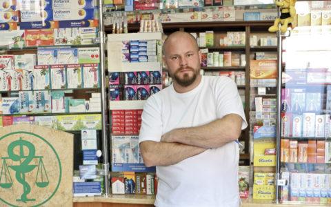 """Hlavný odborník MZ SR pre farmáciu, PharmDr. Peter Smieško: """"Lekárnik na Slovensku musí byť multi-manažér, aby vôbec prežil"""""""