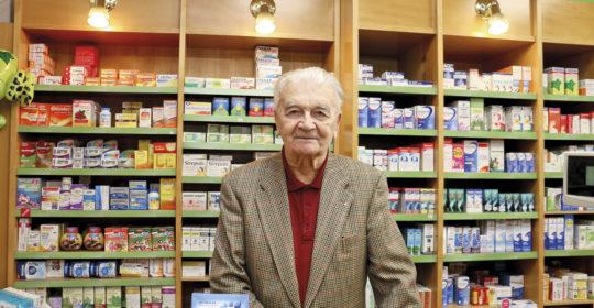 """RNDr. PhMr. Jiří Dlouhý, český lekárnik, lekáreň U Zlatej koruny, Kyjov: """"Kolegyne a kolegovia robia lekárnictvo ako poslanie, nie ako kšeft"""""""