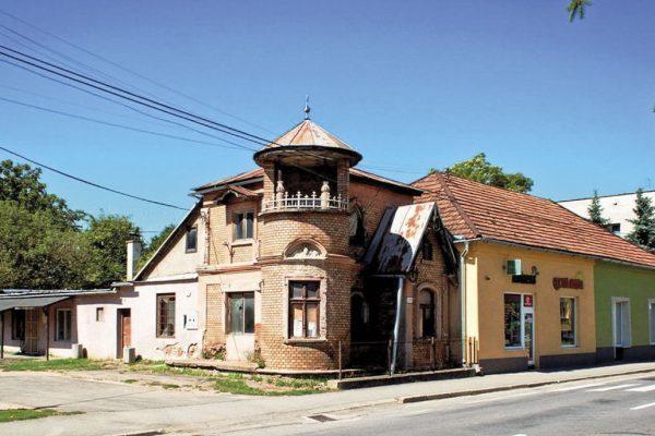 Opravia lekárnikovu vilu v Hnúšti