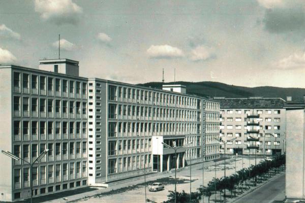 Farmaceutická fakulta v Bratislave už 60 rokov sídli v dvoch vlastných budovách